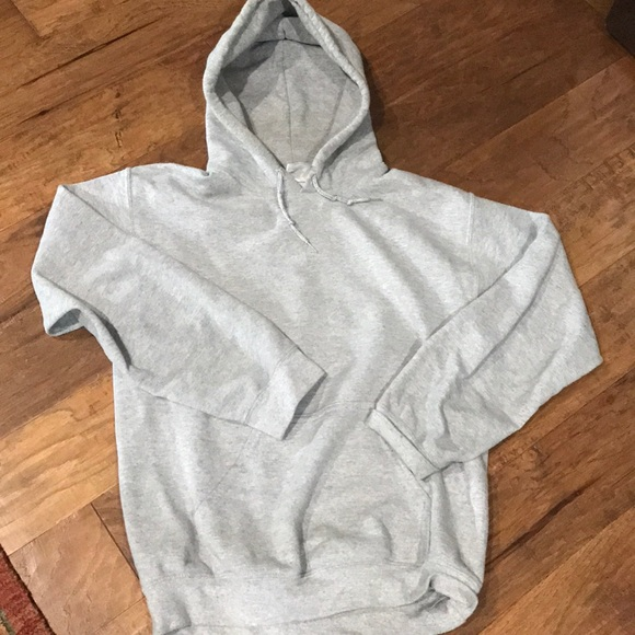 Gildan Other - Gildan heavy blend slight grey hoodie sweatshirt
